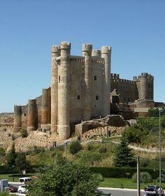 Castillo de Valencia de Don Juan, built century on the ruins of an Iron Age Fortification, Spain Valencia, Chateau Medieval, Medieval Castle, Castle Ruins, Castle House, Witches Castle, Castles To Visit, Fantasy Castle, Don Juan