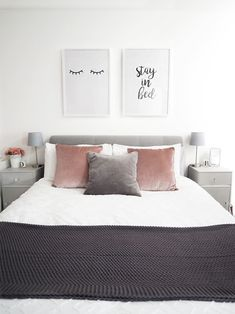And i love them pink gray bedroom, pink and grey room, grey bedroom decor. Scandi Bedroom, Grey Bedroom Decor, Room Ideas Bedroom, Trendy Bedroom, Blush Pink And Grey Bedroom, Bedroom Inspo Grey, Bedroom Furniture, Blush Bedroom, Grey Bedroom Design