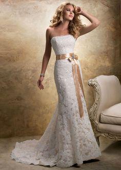 Strapless-Lace-Wedding-Dresses