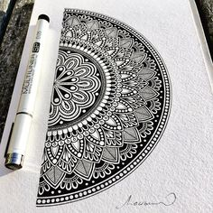 Pin by priyanka bal on mandalas in 2019 Easy Mandala Drawing, Mandala Sketch, Mandala Doodle, Mandala Art Lesson, Simple Mandala, Doodle Art Drawing, Zentangle Drawings, Pencil Art Drawings, Zentangles