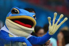A fan dressed as a frog waves during the 2014 FIFA World Cup Brazil Fifa 2014 World Cup, Laws Of The Game, I Love The World, Crazy Fans, International Football, Sight & Sound, Japan Photo, Fox Sports, Japanese