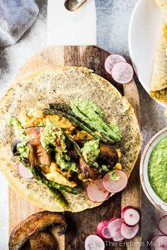 Who knew that healthy Mushroom Breakfast Tacos could be so delicious? Soft scrambled eggs, smoky portobello mushrooms, crisp asparagus, and pesto are all wrapped up in easy to make flax seed and egg tortillas. Sweet Potato Breakfast, Breakfast Tacos, Paleo Breakfast, Sugar Free Recipes, Paleo Recipes, Cooking Recipes, Make Ahead Brunch Recipes, Scrambled Eggs, Portobello