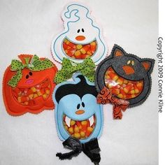 These are adorable and so easy to make!  Look for Open Mouth Candy Holders by Connie Kline on Etsy for the pattern!