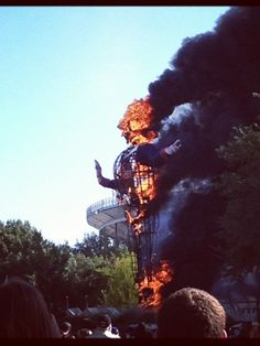 Big Tex burned beyond recognition in fast fire: Only metal skeleton of State Fair icon remains Health And Safety, Burns, Fire, Statue, Instagram Posts, Outdoor, Fort Worth, Roads, Skeleton