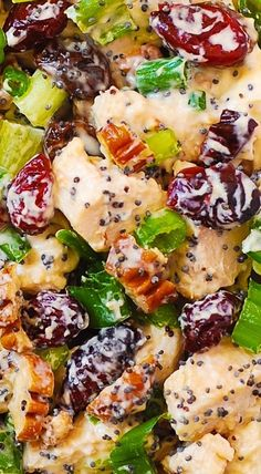 Cranberry Pecan Chicken Salad with Poppy Seed Dressing is an easy recipe that a whole family would love! It's a great side dish or light dinner. Cranberry Pecan Chicken Salad with Poppy Seed Dressing Pecan Chicken Salads, Chicken Salad Recipes, Salad Chicken, Cranberry Chicken, Poppy Seed Chicken Salad Recipe, Recipe Chicken, Chicken Salad Dressing, Seafood Recipes, Comida Latina