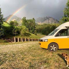 Afbeelding kan het volgende bevatten: lucht, buiten en natuur Camper, Vehicles, Caravan, Camper Van, Airstream Trailers, Motorhome, Mobile Home, Rv, Vehicle