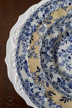 Vintage Plates, Vintage Dishes, Vintage China, Blue Dishes, White Dishes, Blue And White China, Blue China, Blue And White Dinnerware, Blue Pottery
