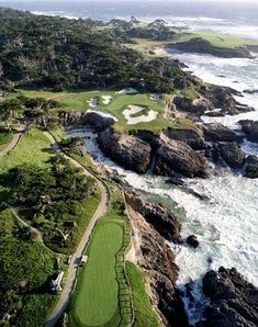 I want to golf here! French Heart: The Magic Rune of Carmel-by-the-Sea~ Pebble Beach Golf Course Public Golf Courses, Best Golf Courses, Augusta Golf, Golf Course Reviews, Carmel By The Sea, California Dreamin', Pebble Beach, Big Sur, Golf Tips