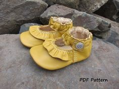 Baby Shoe Pattern Ruffled MaryJane Shoes PDF Sewing by Podsshoes