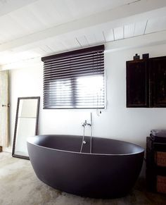 Freestanding vs. built-in tubs: which do you prefer?