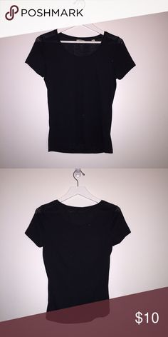 Jack wills cotton blank shirt with sparkle thread NWOT Jack wills cotton black tshirt with sparkle thread makes this a great holiday staple! Lightweight and never worn. Size 6 Jack Wills Tops Tees - Short Sleeve