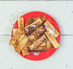 We reinvented your favorite childhood treat into a whole new flavorful snack! These PB&J Fries add a twist to the beloved classic sandwich. Quick Recipes, Quick Easy Meals, Cooking Recipes, Breakfast On The Go, Breakfast Dishes, Dinner Recipes For Kids, Kids Meals, Kid Favorite Recipe, Favorite Recipes