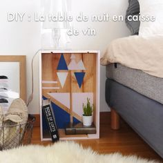 Deco wine case: the bedside table - DIY - Video Diy bedside table in wine box with paint recycling upcycling do it yourself easy original by - Old Home Renovation, Cozy Small Bedrooms, Small Master Bedroom, Inexpensive Furniture, Cheap Furniture, Furniture Websites, Modern Bedroom Furniture, Bedroom Decor, Bedroom Ideas