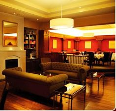 The choice for luxurious Baltimore hotels, the Hotel Brexton Baltimore is a boutique Mount Vernon hotel that is centrally located in the heart of Baltimore Hotel Specials, What's Your Style, A Boutique, Wedding Styles, Summertime, Restaurant, Couch, Dining, Sofa