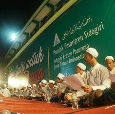 """""""Doa Santri untuk muslim rohingnya""""- PonPes Sidogiri, Sidogiri kraton, Pasuruan, Jatim, indonesia."""