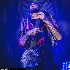 #Repost @headskorner with @repostapp ・・・ Brian one with the music . I'm fascinated by the photos of Bryan Joe Corder for Ignite Musicmag. This one is  picturing a  so intense moment! Brian playing in Jacksonville at Vet. Memorial Arena , October 2016. All rights reserved. *dalia*  @brianheadwelch #brianheadwelch #korn Korn #headskorner #headskornerfanpage