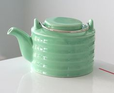 Art Deco Green Teapot. From jaditekate: