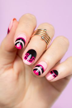 Tom Ford nails. All details: http://sonailicious.com/tom-ford-fall-2015-black-and-pink-nails/