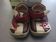 Livie and Luca boys Fox hard sole leather shoes size 4--NEW with box