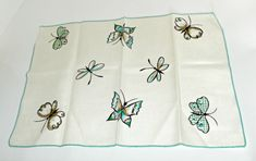 Vintage Butterfly Placemats | Linen napkins | Vintage Linens | Luncheon Napkins | Vintage Napkins | Butterflies Napkins | Butterfly Decor #emclassydesigns #gifts #etsy #vintagecollectibles