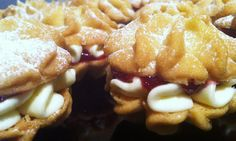 Viennese whirls Viennese Whirls, Cookie Bars, Deserts, Treats, Cookies, Food, Style, Crack Crackers, Swag