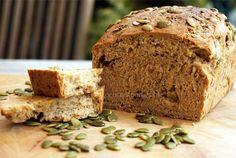 Zelf speltbrood bakken is heel gemakkelijk en je hebt er geen broodbakmachine voor nodig. In een handomdraai vers speltbrood op tafel met dit recept.
