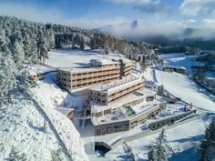Austrian Tyrolean mountains hideaway with rooftop spa Grand Hotel, Fun To Be One, Places To Travel, Trip Advisor, Travel Inspiration, Modern, Mountains, Austria, Casual
