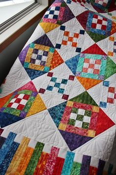 This is Lori's Diamond Dazzler quilt and it is a pattern by Glad Creations. Lori used beautiful bright coloured batiks and a tone on tone white background. She asked for custom quilting. 9 Patch Quilt, Colchas Quilt, Batik Quilts, Quilt Border, Strip Quilts, Patchwork Quilting, Scrappy Quilts, Quilt Blocks, Modern Quilting
