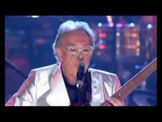 The Buggles - Video Killed the Radio Star & Plastic Age (Live 2004 - Prince's Trust) - YouTube