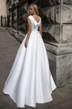 Robe de mariée élégante - Création Kate (dos)