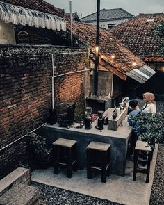 Backyard Cafe, Outdoor Cafe, Garden Cafe, Outdoor Pergola, Outdoor Restaurant Design, Restaurant Seating, Cafe Restaurant, Cozy Coffee Shop, Small Coffee Shop
