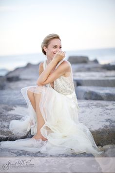 Take a look at the best beach Bridal photos in the photos below and get ideas for your wedding ! okay, might just be my favorite wedding photo i've seen on here. Trendy Wedding, Perfect Wedding, Dream Wedding, Wedding Beach, Wedding Hair, Wedding Poses, Wedding Portraits, Wedding Dresses, Bridal Portraits Outdoor