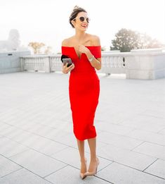 Red dress... Sexy,