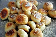 Yummy!!!! Pretzel Buttons that taste like Little Ceasar Crazy Bread? I love me some crazy bread.