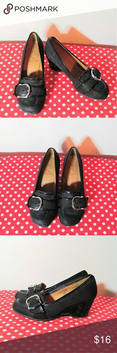 Cute Jaclyn Smith Wedges Sz 5 Jaclyn Smith Wedges-NWOT Jaclyn Smith Shoes Wedges