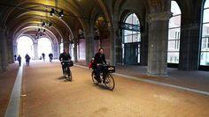 Sinds 13-05-2013 kan het weer: fietsen door de onderdoorgang van het Rijksmuseum in Amsterdam