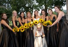 Bridal party with sunflower bouquets!