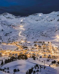 🇦🇹 Obertauern ski area (Salzburg, Austria) by Axel Flasbarth / ❄️ Beautiful World, Beautiful Places, Places To Travel, Places To Go, Ski Season, Ski Holidays, Winter Wallpaper, Winter Scenery, Winter Landscape