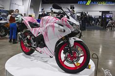 Want this paint job only in black not pink for my motorcycle!!