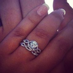 MY FAVORiTE! delicate infinity band engagement ring with a duplicate infinity wedding band * in loovveee!!