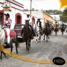Cerca de 200 caballos arribaron en la Cabalgata de Exhibición dentro del segundo día de feria #Contepec #Michoacan #ElAlmaDeMexico #NuestrasFerias