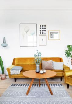 DIY art, homemade furniture, beautiful plants and vintage finds : Linnea Jakobsen has filled his C...