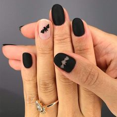 41 Cute And Creepy Halloween Nail Designs 2019 : Matte Nails Design With Bats Art batsart ? It's high time to choose if your Halloween nail designs are going to be scary or cute. Whether you have acrylic or gel nails, check out these easy nailart ideas, Holloween Nails, Cute Halloween Nails, Halloween Nail Designs, Creepy Halloween, Halloween Horror, Halloween Ideas, Halloween Costumes, Cute Nails, Pretty Nails