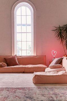 Slide View: 1: Lennon Sofa
