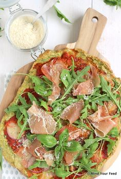 Havermout pizza met spinazie - Mind Your Feed, Healthy Recepies, Healthy Snacks, Healthy Diners, Pizza Wraps, Tapas, Brunch, Go For It, Diet And Nutrition, Clean Recipes