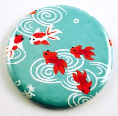 Rock Painting Ideas Discover Handmade Pocket Mirror Cosmetic Purse Mirror in Little Fish Rock Painting Patterns, Rock Painting Ideas Easy, Rock Painting Designs, Paint Designs, Pebble Painting, Pebble Art, Stone Painting, Shell Painting, Mirror Painting