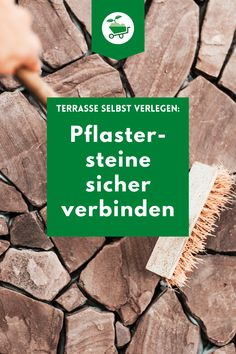 Vor allem Klinkersteine oder andere ausblühungsgefährdete Steine brauchen als geeigneten Untergrund ein stabiles und trockenes Bett, denn Staunässe hat im Mörtelbett nichts zu suchen. Hier ist der Baumit PflasterDrainmörtel GK 4 Plus genau der richtige. #baumit #garten #gartenideen #gartendesign #betonieren #gartengestaltung #gartenprojekte #gartenanlage #betonierarbeiten #betondiy #diy #diygartenprojekte #betongarten #pflastersteineideen #pflastereinfahrt #pflasternideen #gehweg Beton Diy, Formal Gardens, Backyard Patio, Side Walkway, Flagstone, Diy Garden Projects, Paving Stones
