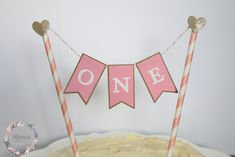'One' Bunting Cake Topper. Celebrate your baby's first year with a special cake topper, by the amazing Melrose Paper Design. Girl Birthday, Birthday Parties, Birthday Cakes, Babies First Year, 1st Birthdays, Paper Straws, Paper Design, Cupcake Toppers, Bunting