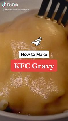 Tastes just like the real thing!! This easy brown gravy recipe takes just minutes to whip up and is only 5 ingredients! Best Gravy Recipe, Homemade Gravy Recipe, Simple Chicken Gravy Recipe, Kfc Chicken Recipe Copycat, Homemade Brown Gravy, Beef Recipes, Cooking Recipes, Easy Gravy, Recipes