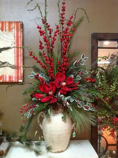 Excellent Pic christmas arrangements Ideas 'Tis that will holiday again! This kind of Christmas time, most people plan to be more than simply your ticketing par Christmas Planters, Christmas Porch, Outdoor Christmas, Rustic Christmas, Christmas Projects, Christmas Holidays, Christmas Wreaths, White Christmas, Christmas Movies